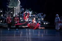 The Nutcracker | Dancers (from left): Leung Chunlong, Naomi Yuzawa  | Photographer: Conrad Dy-Liacco